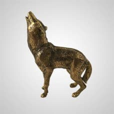 The figurine of a wolf