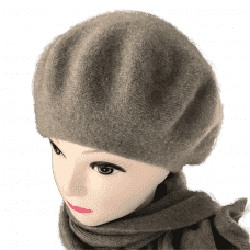 Cashmere beret and scarf
