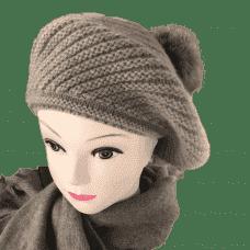 Cashmere beret with a pompon